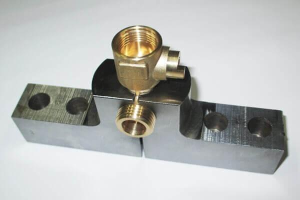 ヒロセ金型 フォーカート