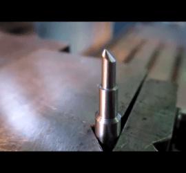 ヒロセ金型 中子ピン加工