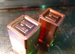 ヒロセ金型 文字電極の彫刻加工
